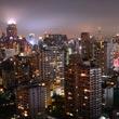 Nocny widok z dachu hotelu Column Bangkok