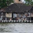 Rzeka Menam - biedne nabrzeża