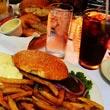 Żarcie po amerykańsku podane przez polską kelnerkę