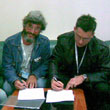 Podpisywanie umowy: Kasia Sienkiewicz-Kosik, Tomas Jirkowsky, Rafał Kosik