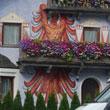 Malarstwo iluzoryczne: kura przytrzaśnięta balkonem